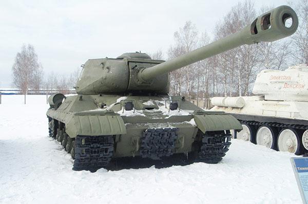 Танк ИС 2