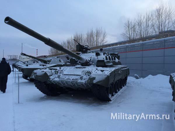 Фото танка Т-80