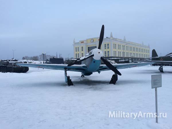 Фото истребителя Як 9