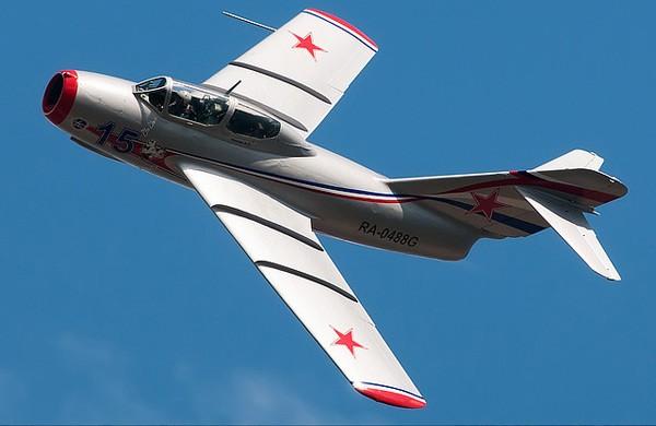 Истребитель МиГ-15