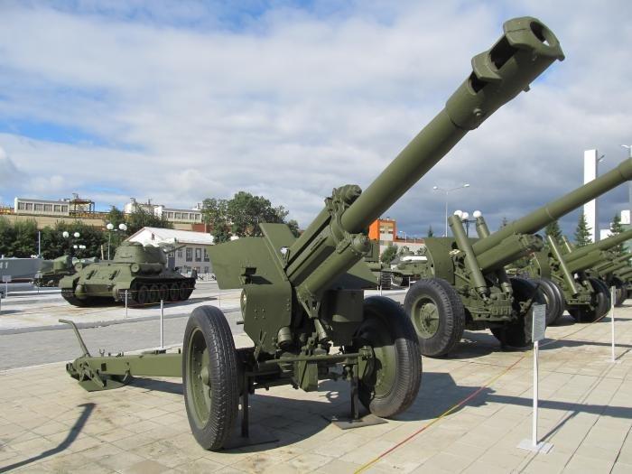 Советская 152-мм гаубица Д-1