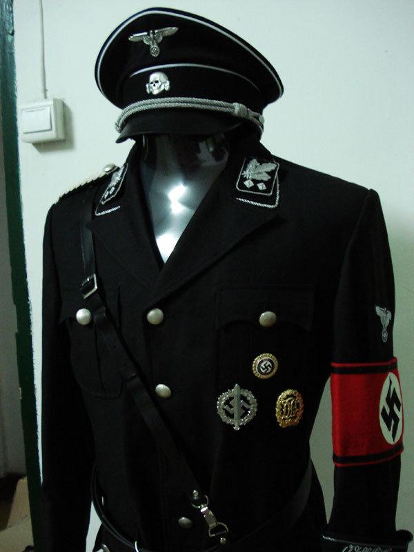 Черная форма СС