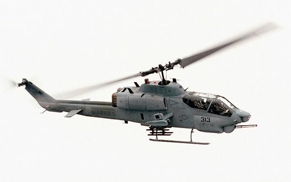 Вертолет Bell AH-1