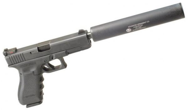Пистолет Глок с глушителем