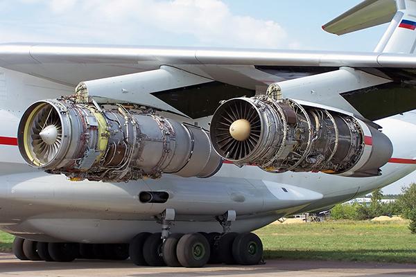 Ил-76 на обслуживании