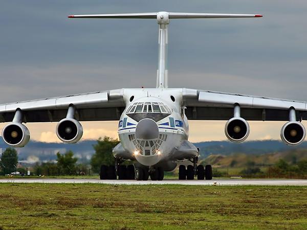 Ил-76 стоит