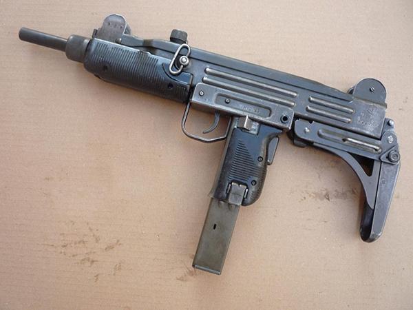 Пулемет-пистолет Узи