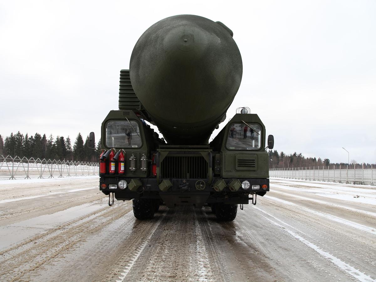 https://militaryarms.ru/wp-content/uploads/2016/06/mbr-topol-m12.jpg