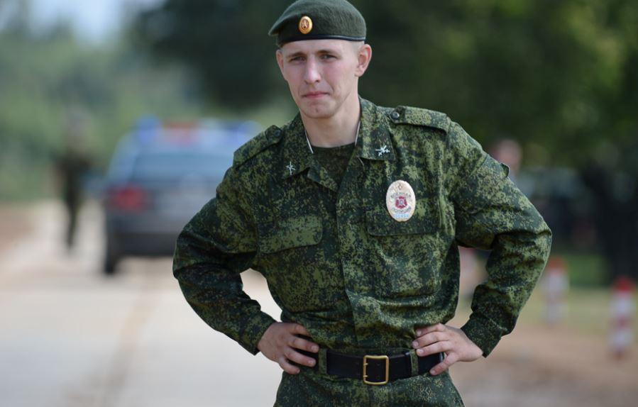 Пацан в солдатской форме фото 46-944