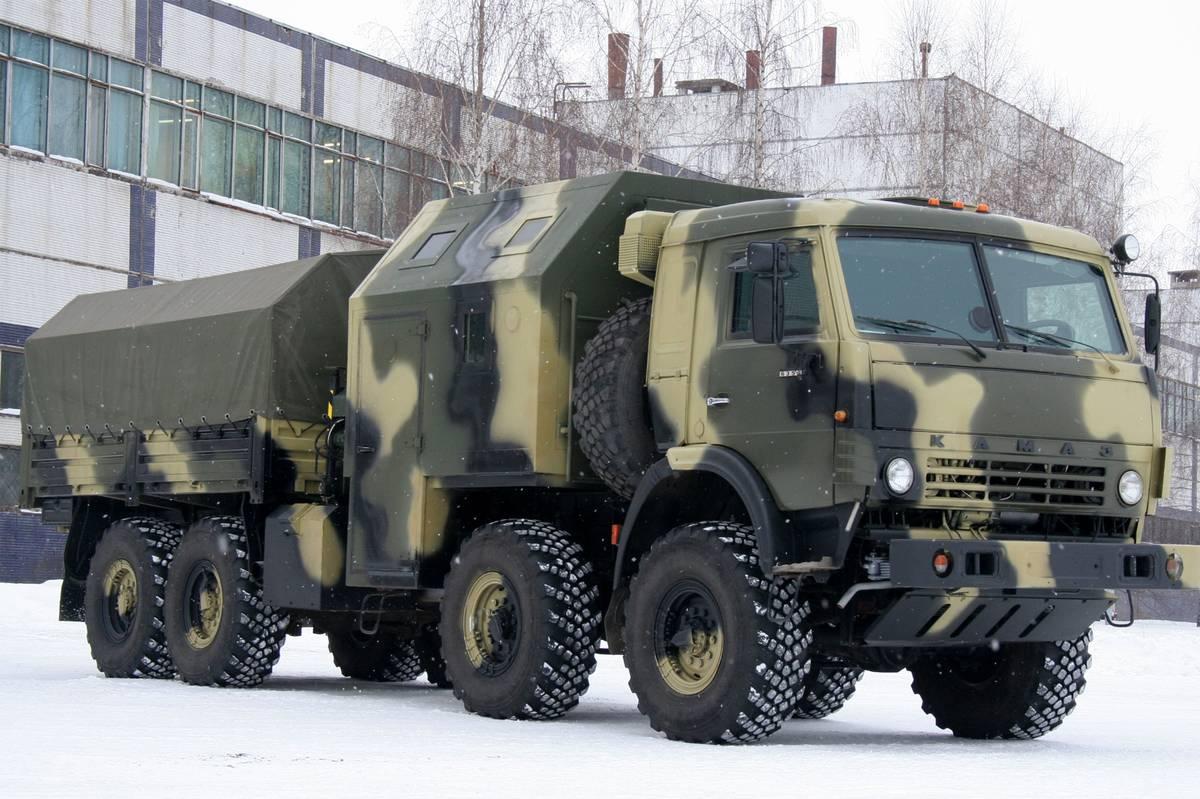 КамАЗ-6350 с жилым модулем