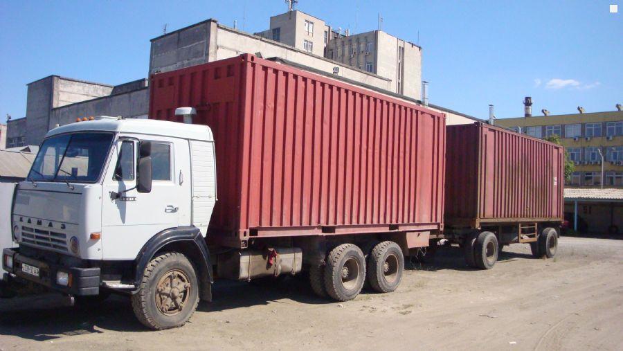 Камаз-5320 с двумя контейнерами