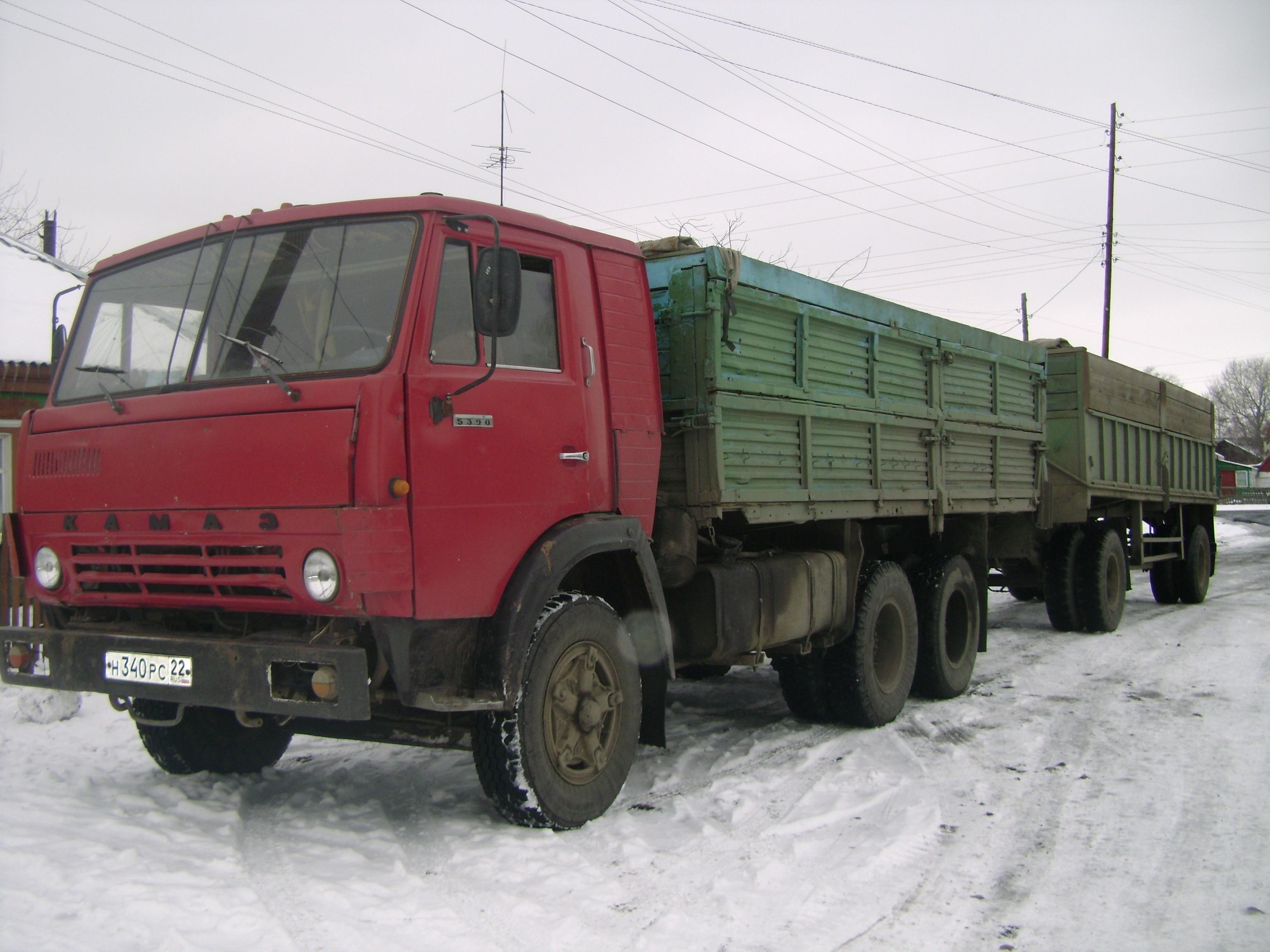 Камаз-5320 с двумя прицепами