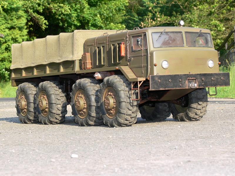 МАЗ-537 с крытым кузовом