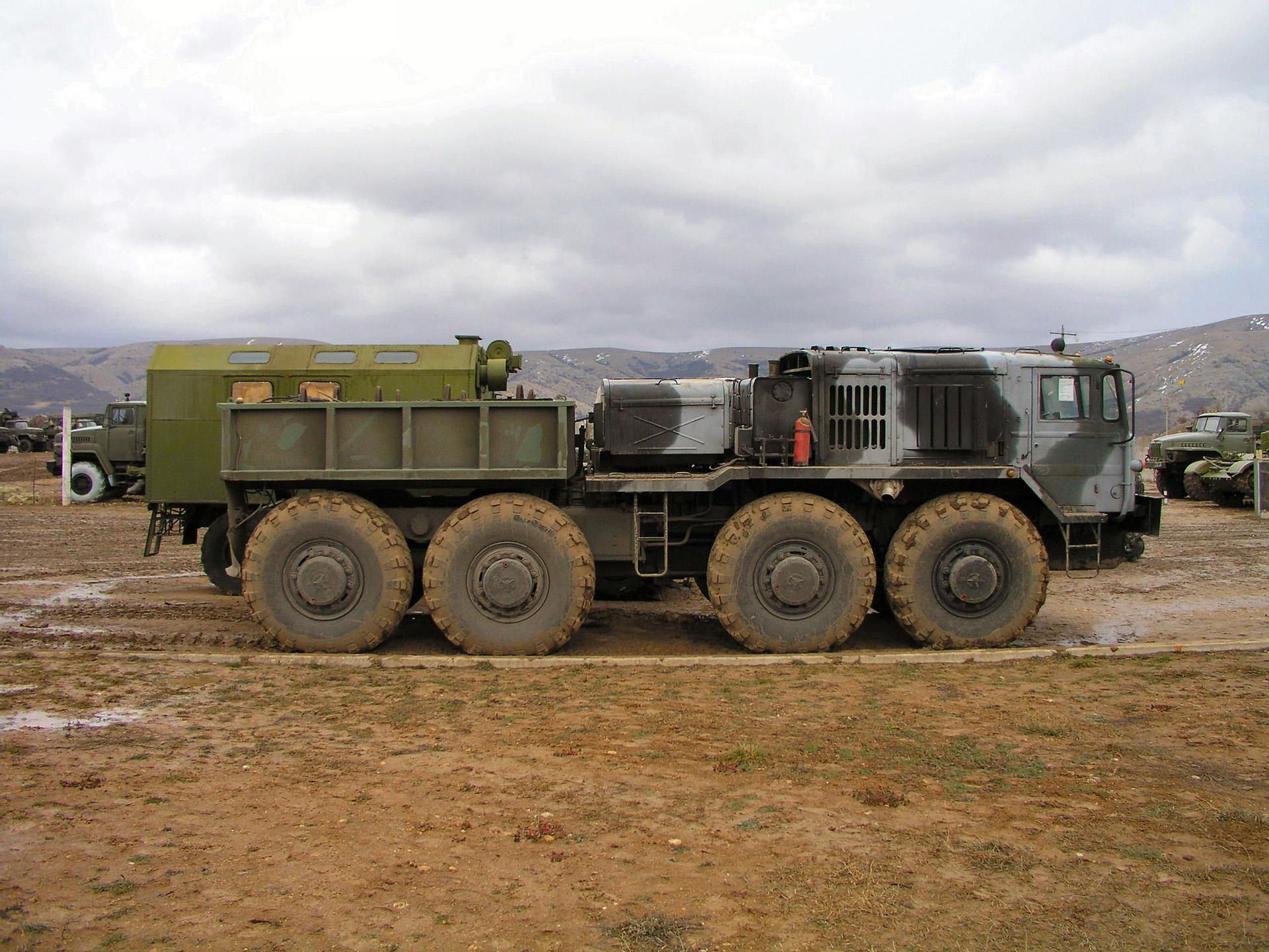 МАЗ-537 с кузовом