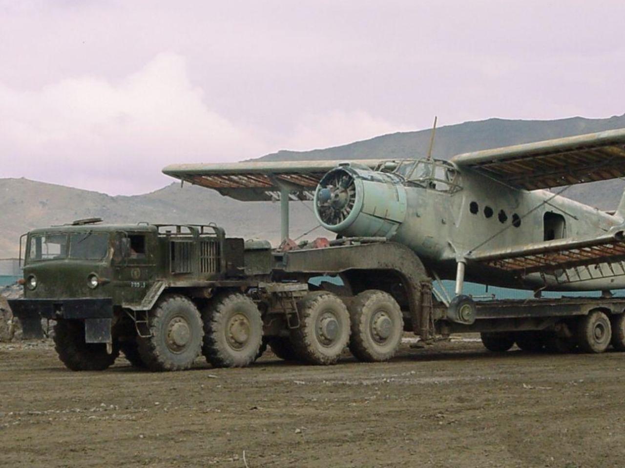 МАЗ-537 с самолётом