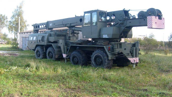 МАЗ-543 с краном