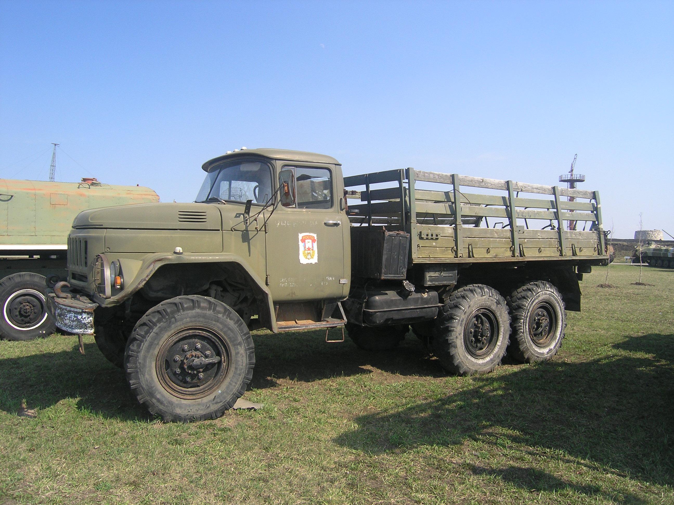 ЗиЛ-131 с деревянным кузовом