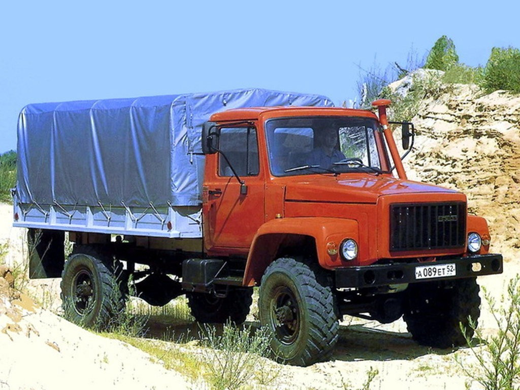 ГАЗ-3308 с закрытым кузовом
