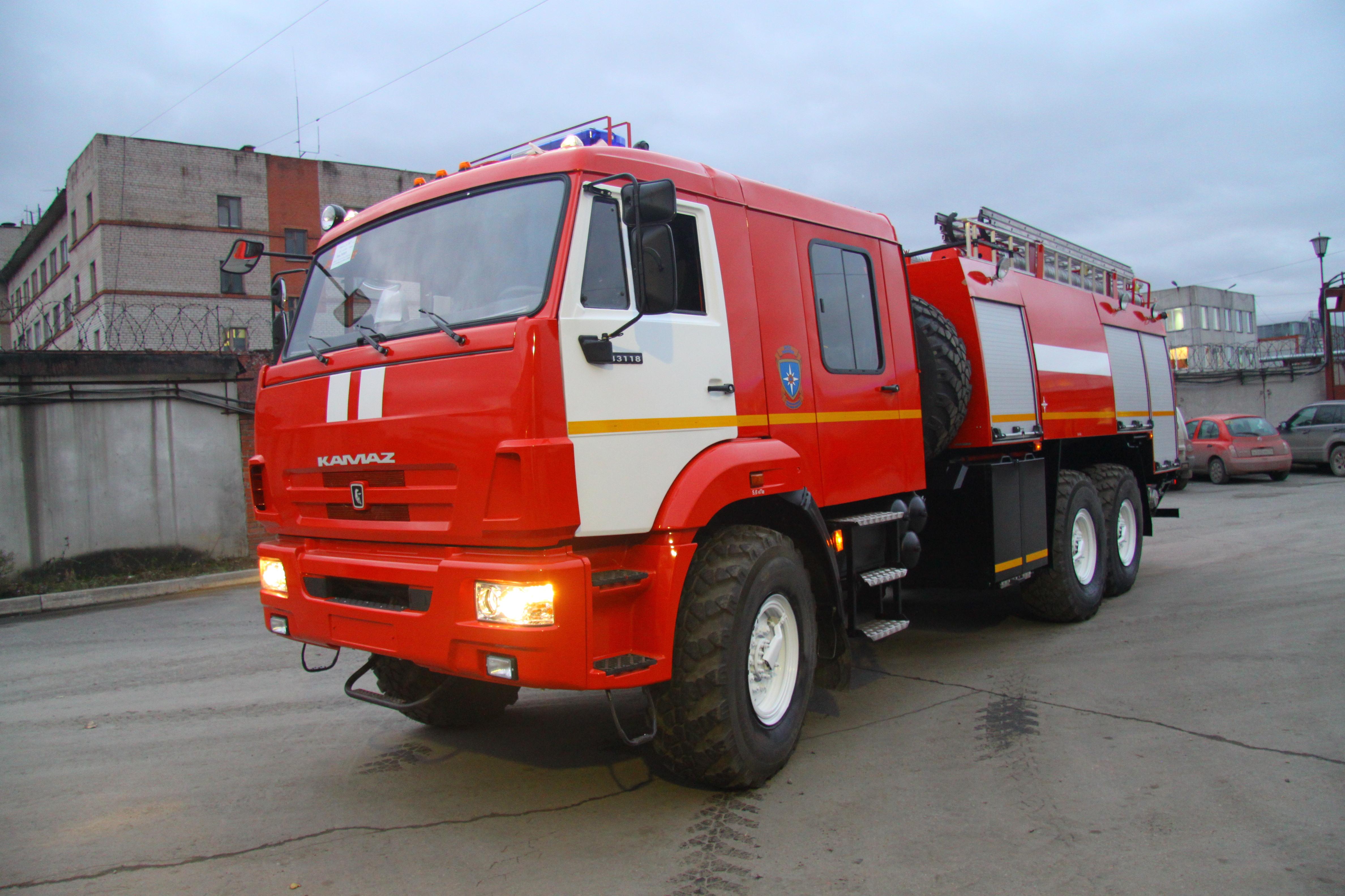 Пожарная цистерна КамАЗ вездеход