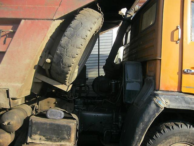 Пространство между кузовом и кабиной КамАЗ-55111