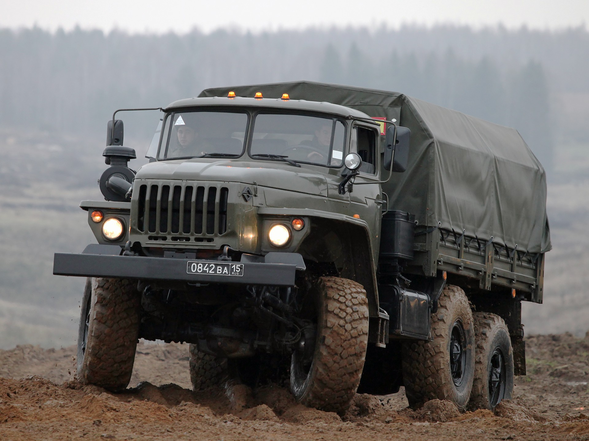 Урал-4320 на бездорожье