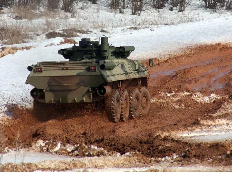 БТР-90 на бездорожье