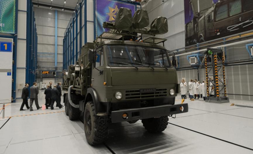 Военный беспилотный грузовик