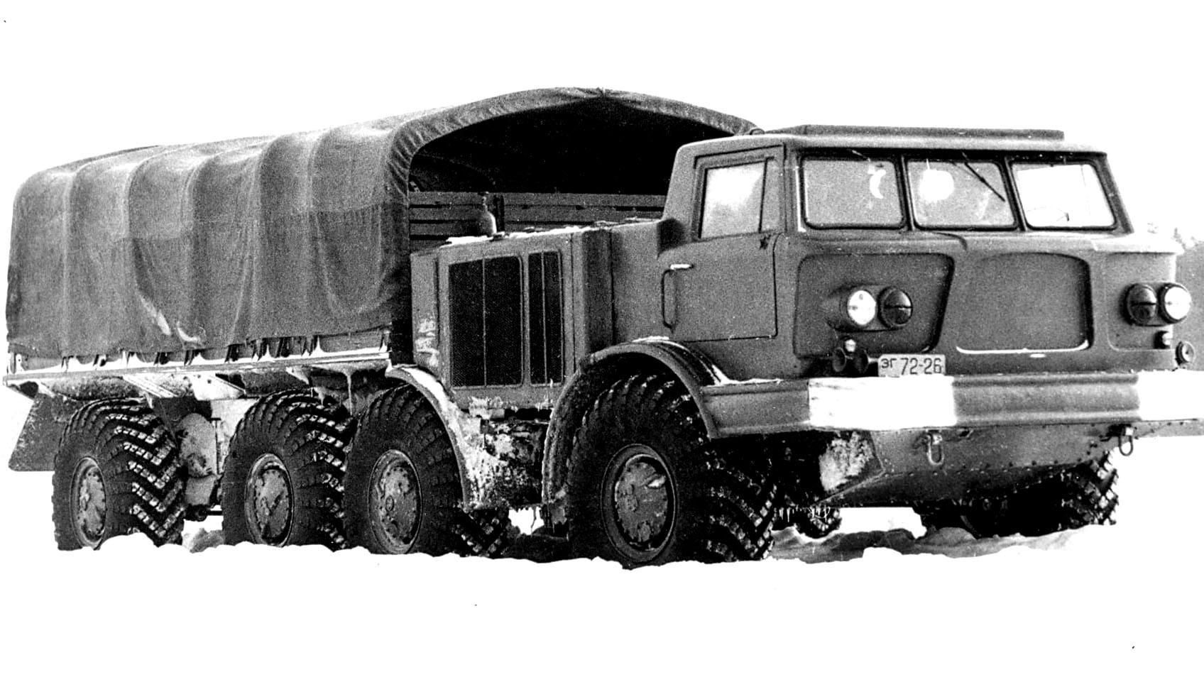 ЗиЛ-135 с крытым кузовом