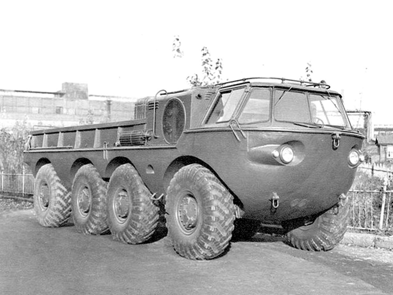 ЗиЛ-135 с обтекаемой кабиной