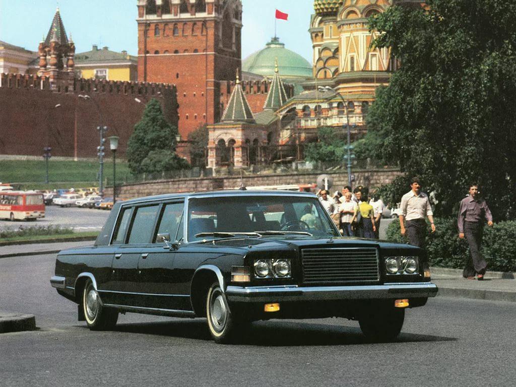 ЗиЛ-4104 на дорогах города