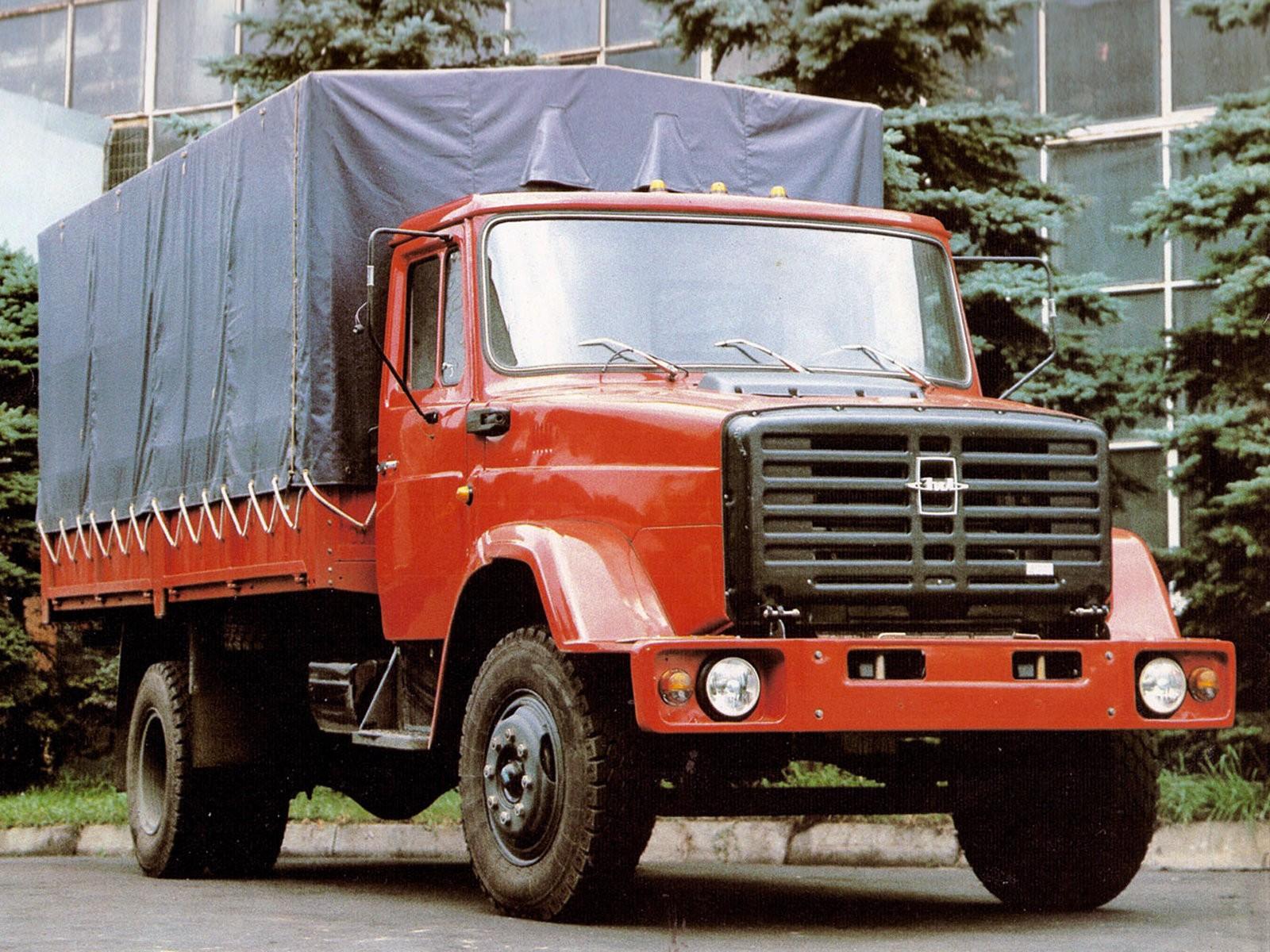 ЗиЛ-4331 с крытым кузовом