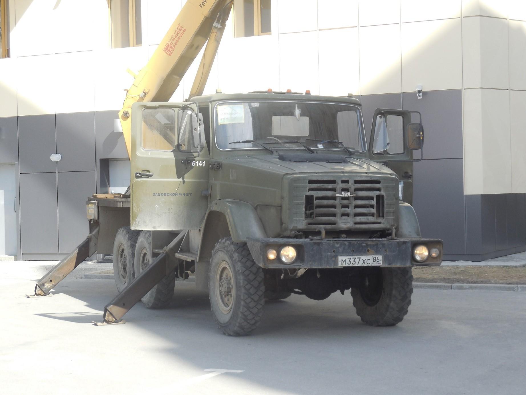 ЗиЛ-4334 с краном
