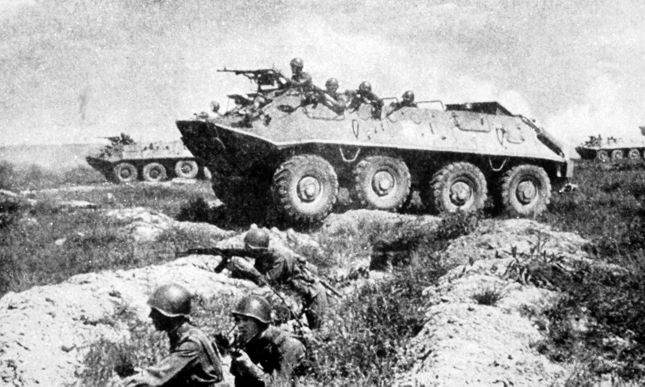 БТР-60 в боевой операции