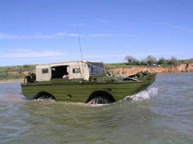 ГАЗ-46 на воде