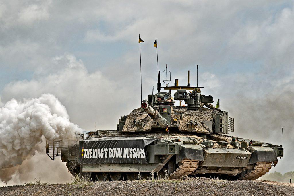 Армия получила Челленджер-2 в 1995 году