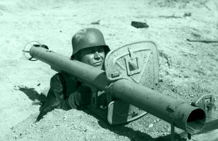 Солдат с гранатометом