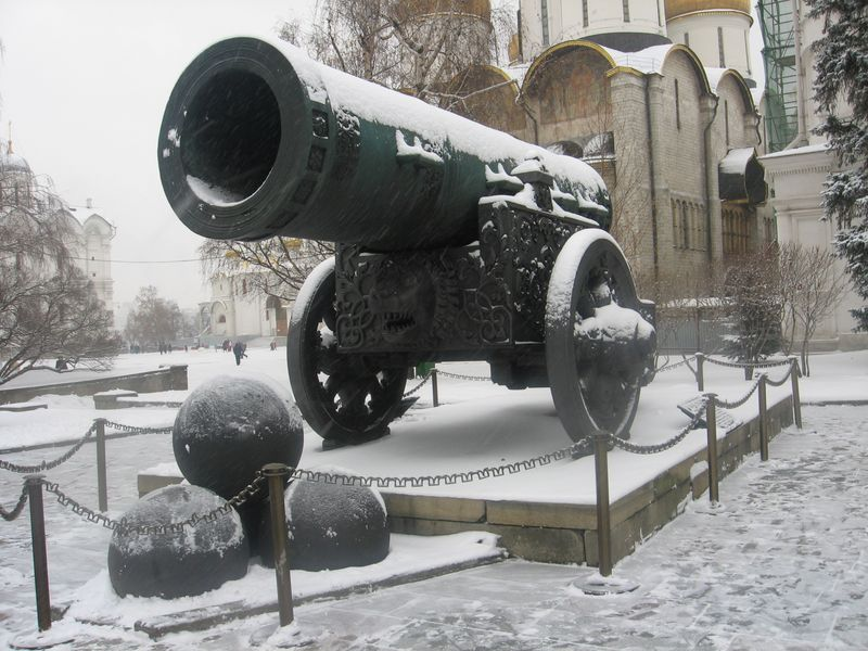 Царь-пушка зимой