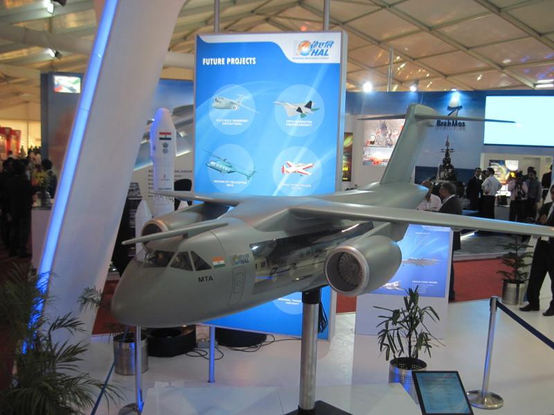 Макет ИЛ-214 на выставке