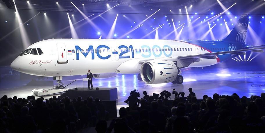 Российский авиалайнер на выставке