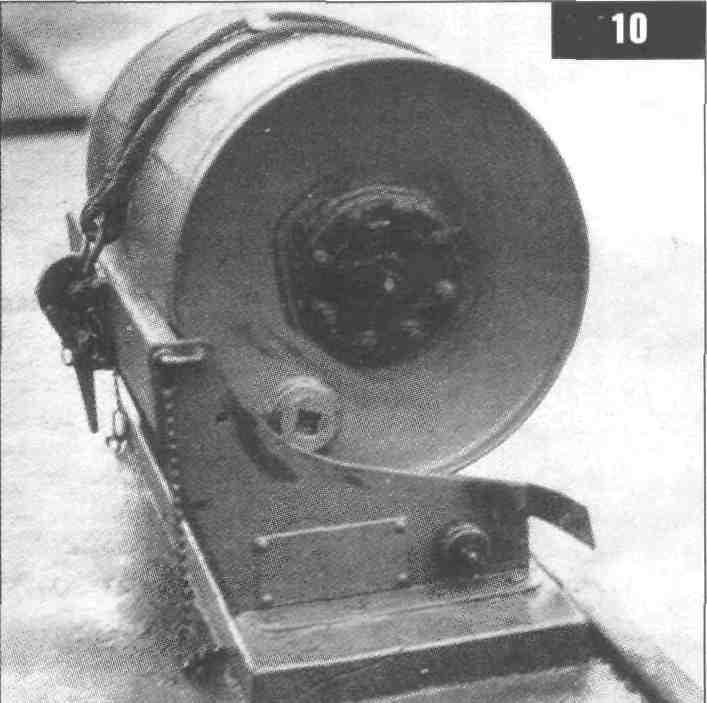 Старинная фотография бомбы