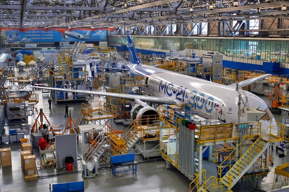 Строительство самолета