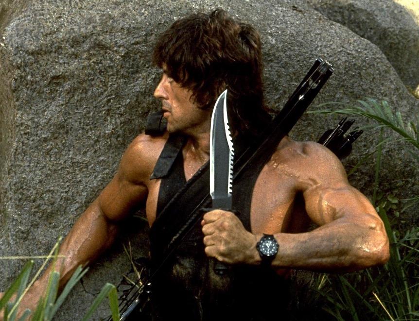 Воин с боевым ножом