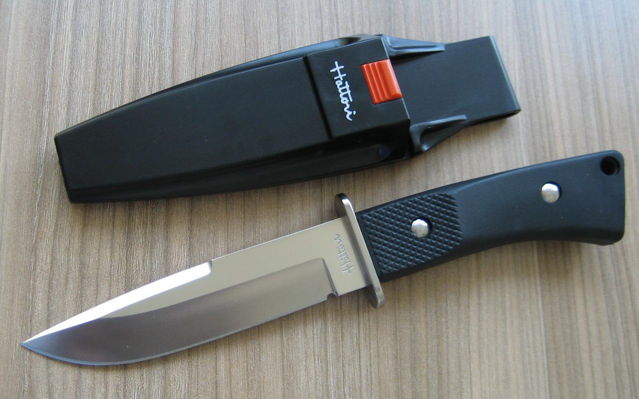 Фабричный нож для туриста