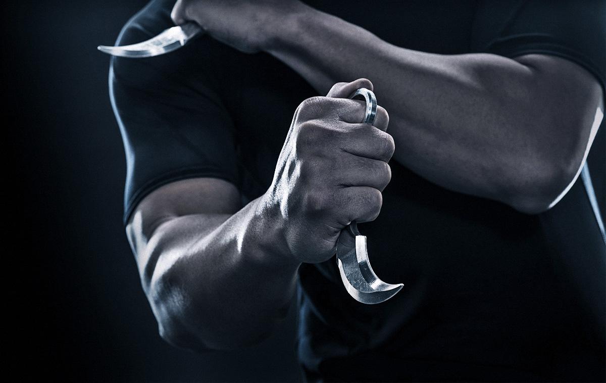 Использование ножей керамбитов