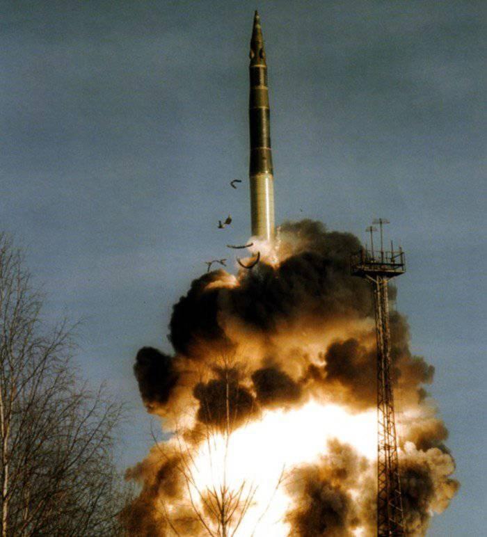 """Испытание ракеты системы """"Мертвая рука"""""""