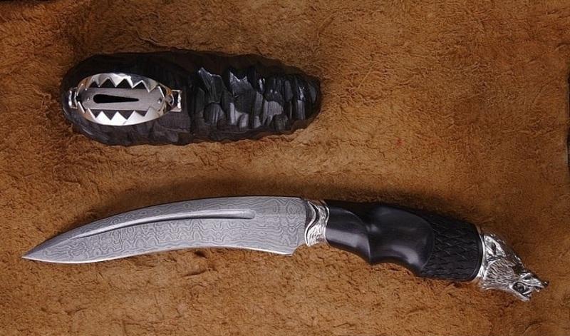 Кривой туристический нож