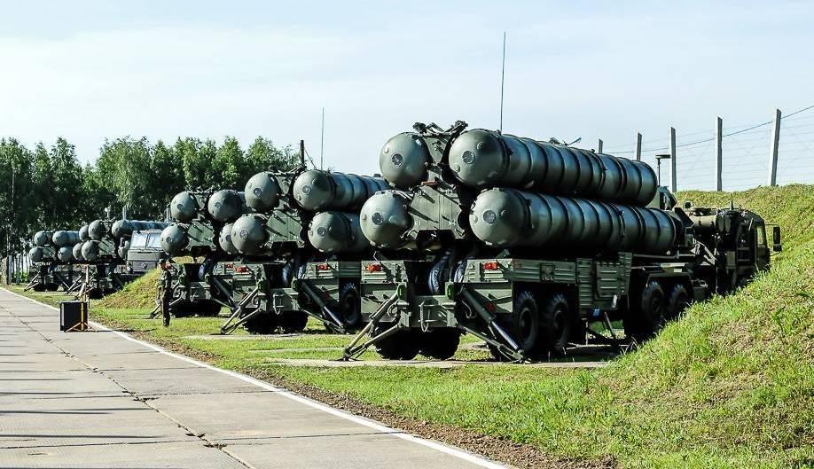 Машины с ракетами ПВО