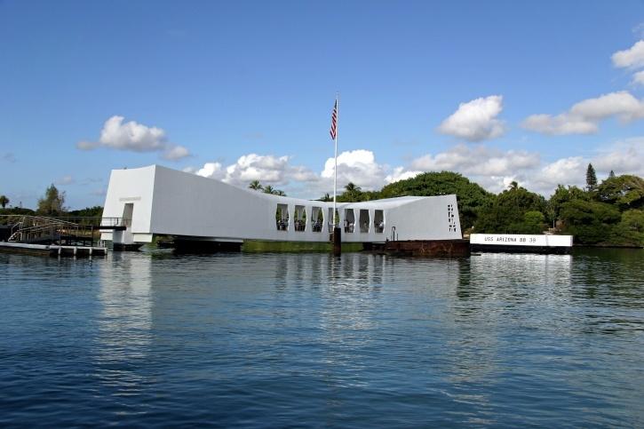 Мемориал жертвам Перл-Харбор в США