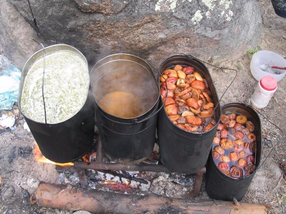 Приготовление пищи в котелках