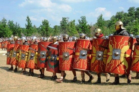 Римская центурия в тесном строю